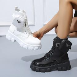 Chargeur de téléphone mobile en WIFI, high tec, en OR
