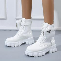 Chargeur de téléphone mobile en WIFI, en noir ou en blanc